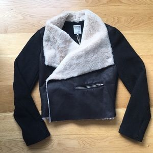 Zara cropped trafaluc outerwear collection. Size M